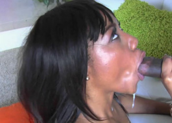 Ebony slut Chanell nails her architect